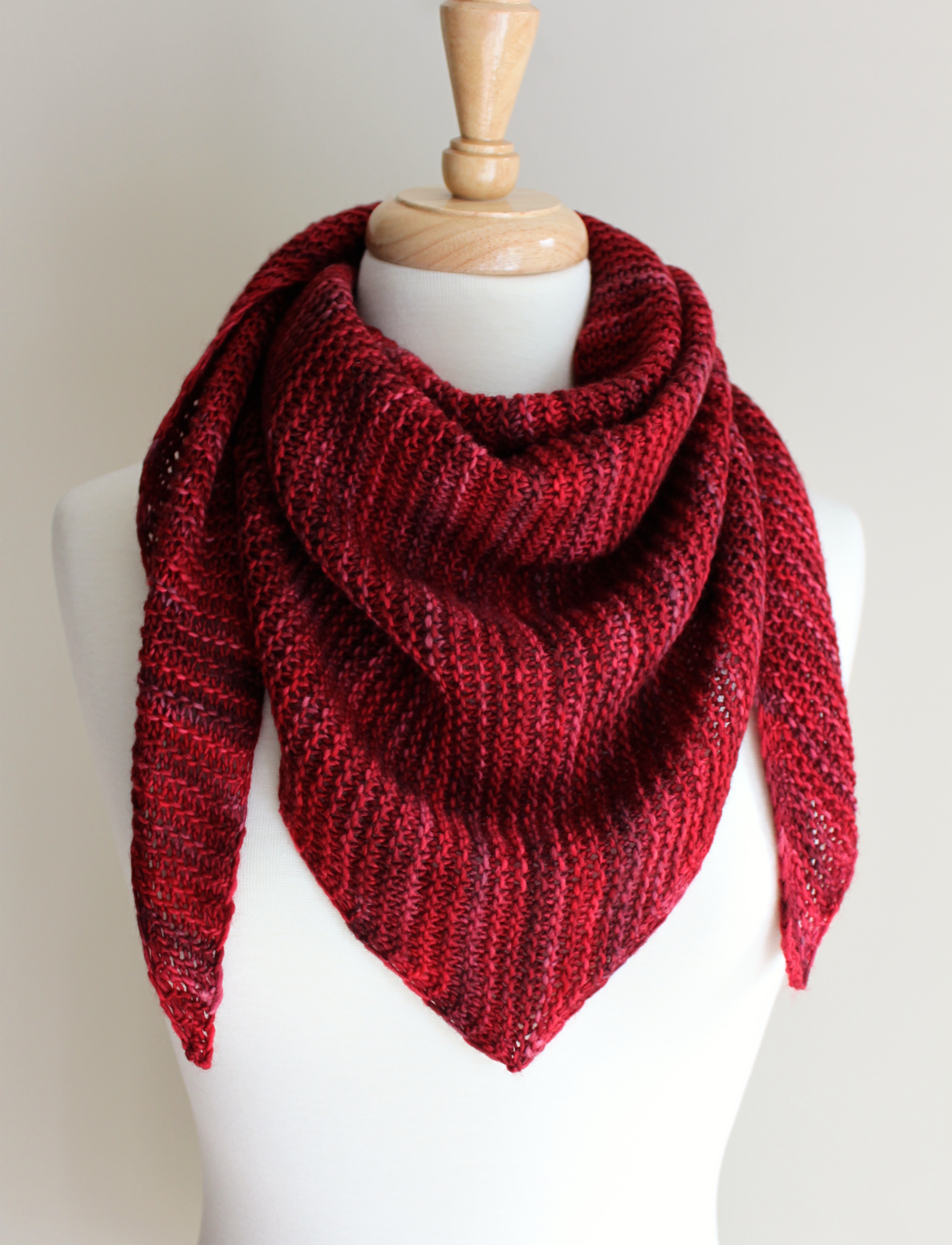Free Knitting Patterns: Truly Triangular Scarf - Leah ...