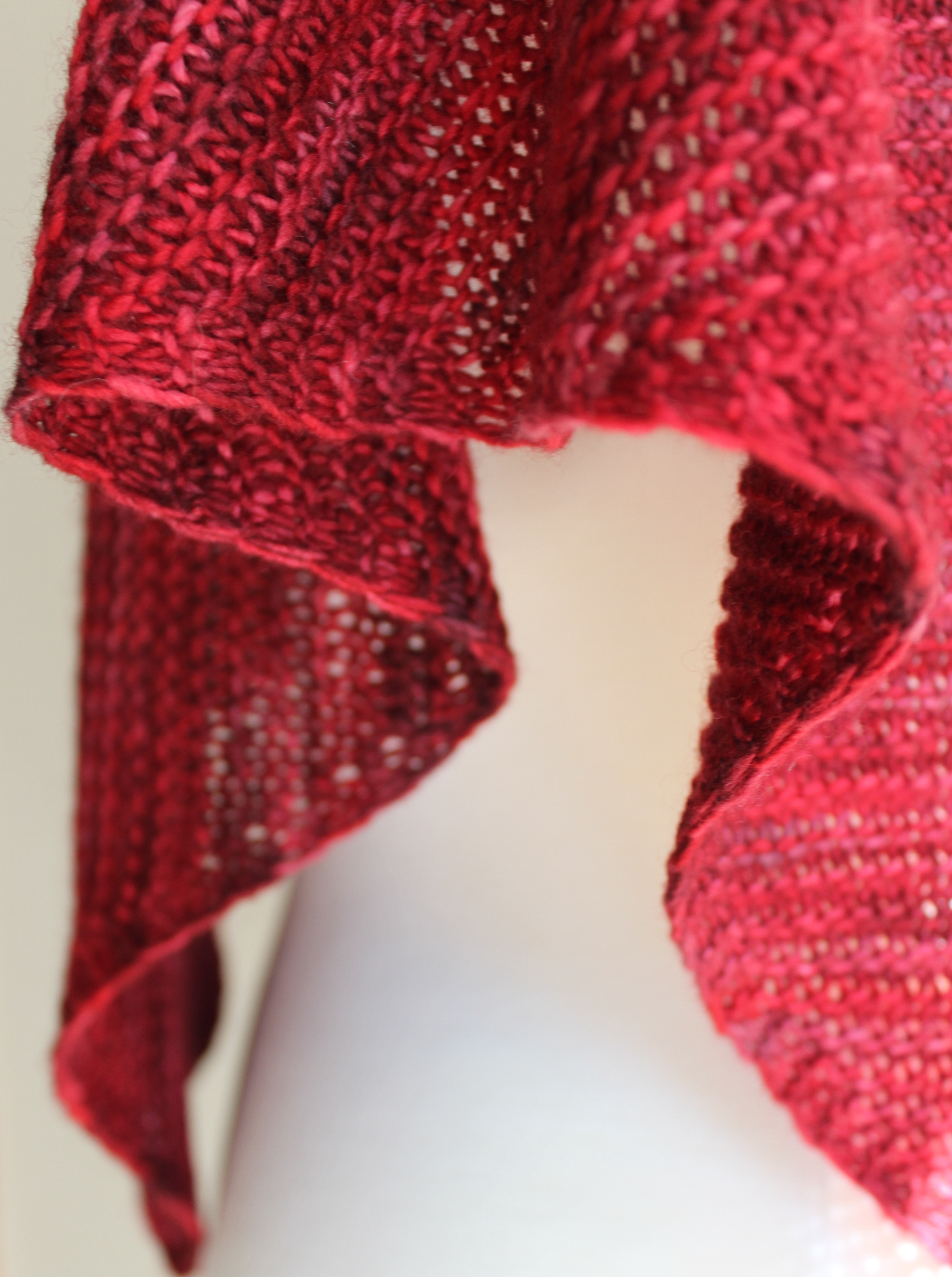 Knitting Patterns For Triangular Scarf : Free Knitting Patterns: Truly Triangular Scarf Leah Michelle Designs